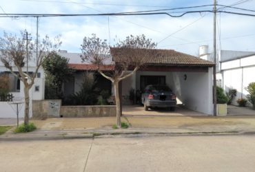 Venta de casa en Roque Pérez. pcia Buenos Aires.